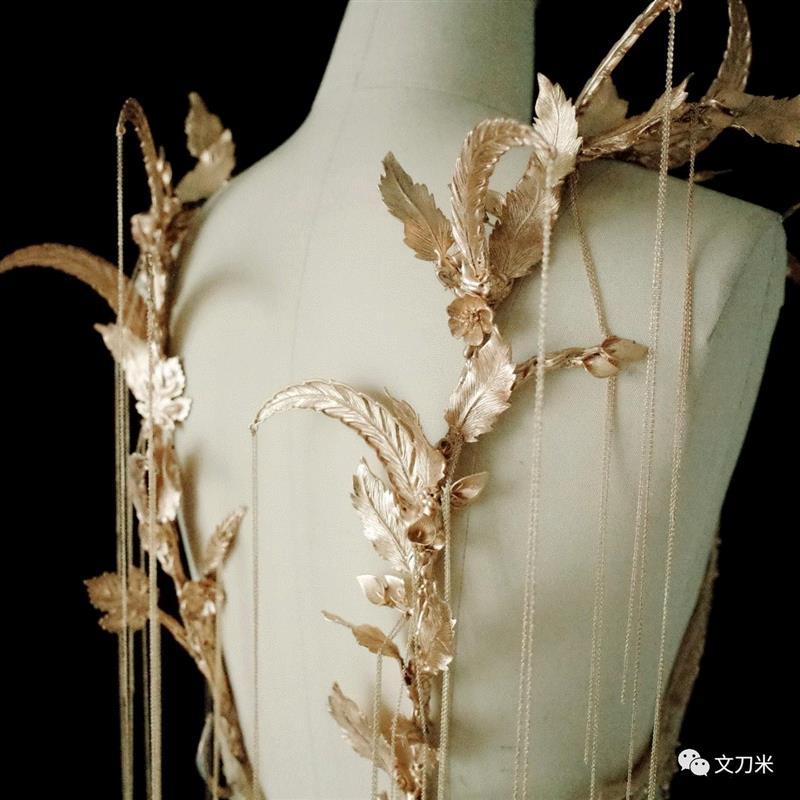 """给仙女做衣服的""""无名之辈""""丨AMNUA公教,仙女,无名之辈,丨AMNUA公教,衣服,达子,服装,海洋,植物,面料,金属"""