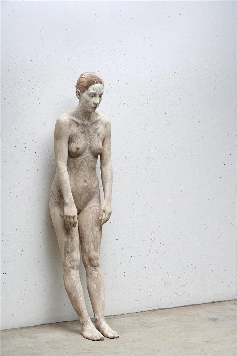 《随风而去 Let it be》,流动的情绪——布鲁诺·瓦尔波特的表现与隐喻,布鲁诺·瓦尔波特,布鲁诺,雕塑,木雕,姿态,材质,木材,外部,模特,中央美术学院美术馆