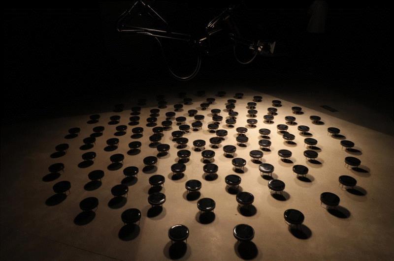 《O/O》 by 邓悦君,装置,2016,深圳重磅新媒体艺术盛事,两年一次!不可错过!