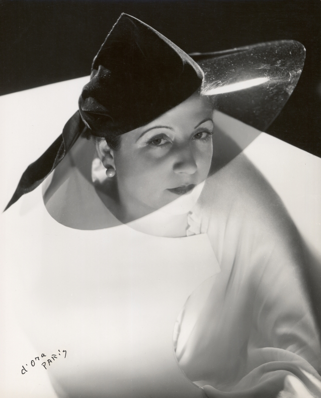 Atelier d'Ora, Madame Agnès with a hat made of velvet with transparent brim, c. 1936. copyright Photoinstitut Bonartes, Wien, Vienna. Bottom.jpg