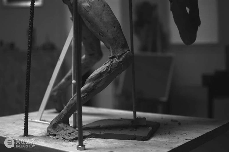 他赋予泥巴新的灵魂,一双巧手打造出精美的细节! 泥巴 灵魂 巧手 细节 志愿 目标 学校 家长 考生 程序 崇真艺客