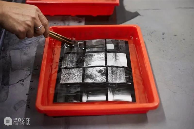 暗房体验X影像输出 | 周日活动 暗房 影像 活动 胶片 色调 朦胧感 大众 胶片相机 胶卷 照片 崇真艺客