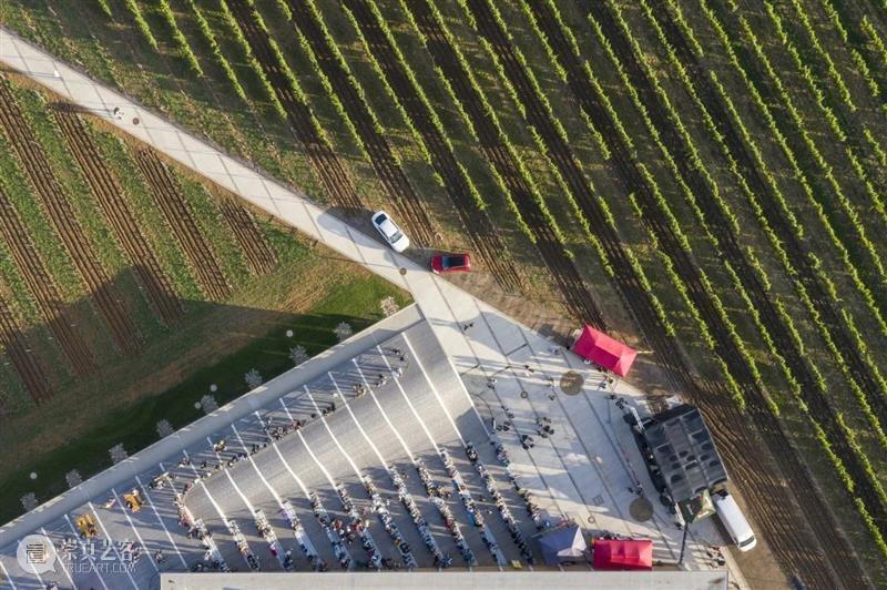 Lahofer酒庄,走上屋顶狂欢 / CHYBIK + KRISTOF Lahofer 酒庄 屋顶 项目 捷克东部 摩拉维亚 地区 文化 现代 关系 崇真艺客