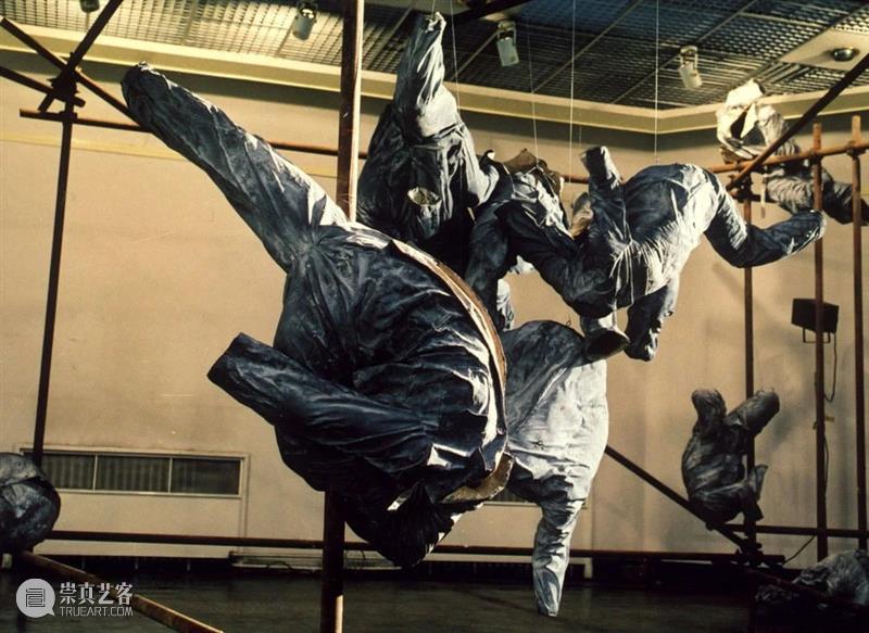 长征空间线上展厅 |  展望:《着中山装的男人》 博文精选 长征空间LONGMARCH 长征空间 线上 展厅 着中山装的男人 时间 北京时间 阶段 作品 个人 社会 崇真艺客