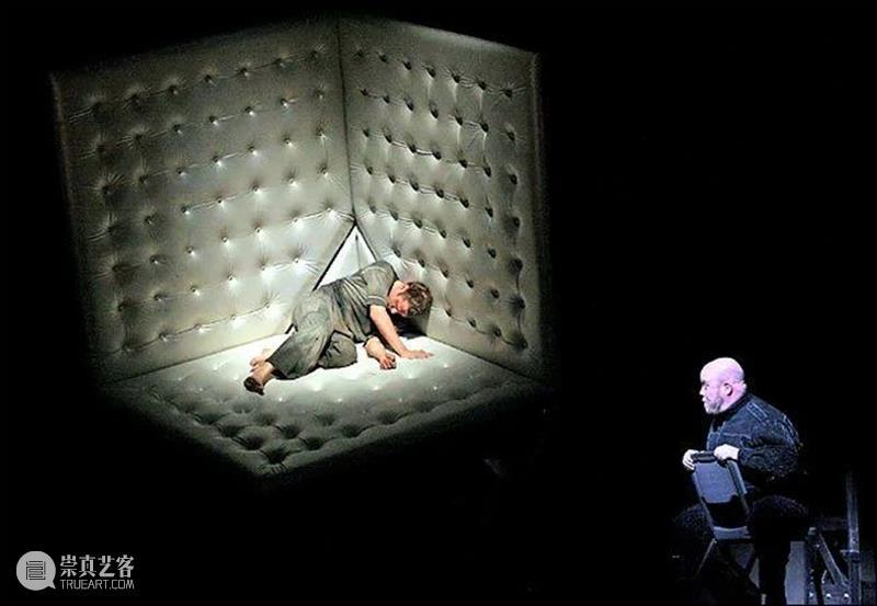 卡尔·菲利安:在复杂和优美中寻找平衡点,打造极具几何形态的空间幻象 平衡点 卡尔·菲利安 空间 几何 形态 幻象 上方 中国舞台美术学会 右上 星标 崇真艺客