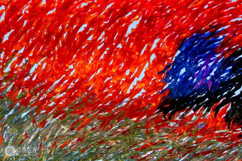 """装置丨用布条、塑料编织起""""天网"""",世人见到都为之惊艳 视频资讯 中国舞台美术学会 装置 天网 布条 塑料 世人 上方 中国舞台美术学会 右上 星标 艺术 崇真艺客"""