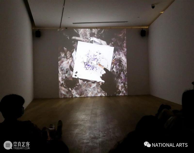 国家美术·展讯丨以花之名——上海明珠美术馆 上海明珠美术馆 国家 美术 展讯 名称 日期 地点 开幕式 嘉宾 艺术家 崇真艺客