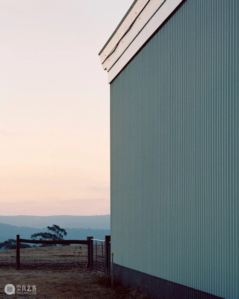 """""""足够长"""",戴尔斯福德棚屋绿洲 / Partners Hill 视频资讯 ADCNews 戴尔斯福德 棚屋 绿洲 Gardiner 轴测图 长屋 精品 农场 花园 厨房 崇真艺客"""