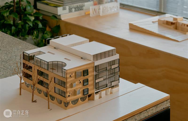 高度细节化,回到现代主义场所 / Freadman White 博文精选 ADCNews 细节 场所 White 高度 现代 主义 Green惠特兰 广场公寓 形式 院墙 崇真艺客