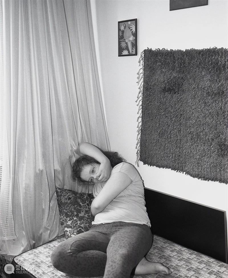 纵使夜幕降临,太阳从未死去 太阳 Zelenkova编者按 布拉格 诗人 Sudek 先锋 艺术家 Funke 捷克 Goldin 崇真艺客
