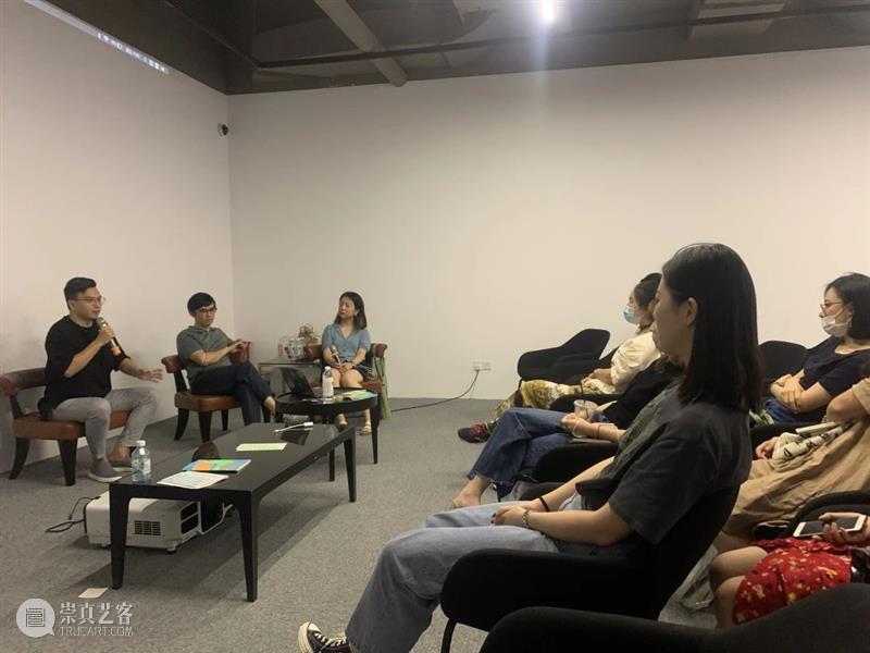 中间美术馆参与2020上海艺术书展回顾 书展 中间美术馆 上海 艺术 现场 展位 OCAT abC 书友 机会 崇真艺客