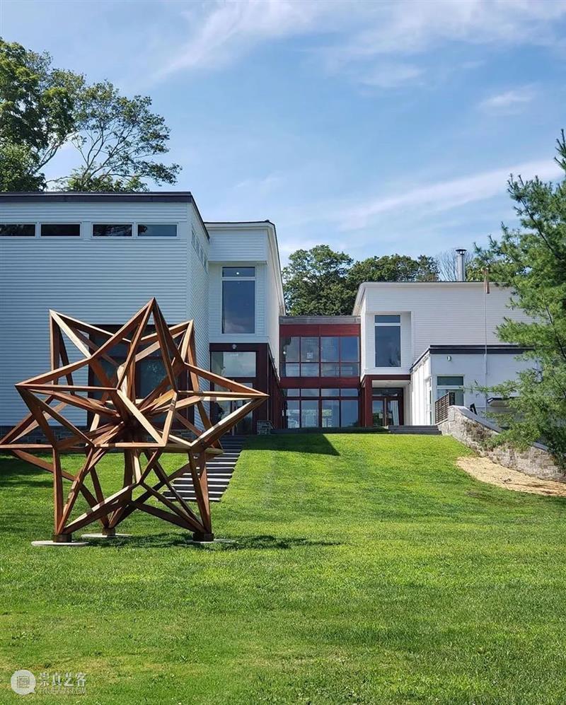 即将开幕   奥尔德里奇当代艺术博物馆  「弗兰克·斯特拉的星星,调查展」 弗兰克·斯特拉 奥尔德里奇 当代艺术博物馆 星星 调查展 纽约州北部 工作室 DuBois 图片 来源 崇真艺客