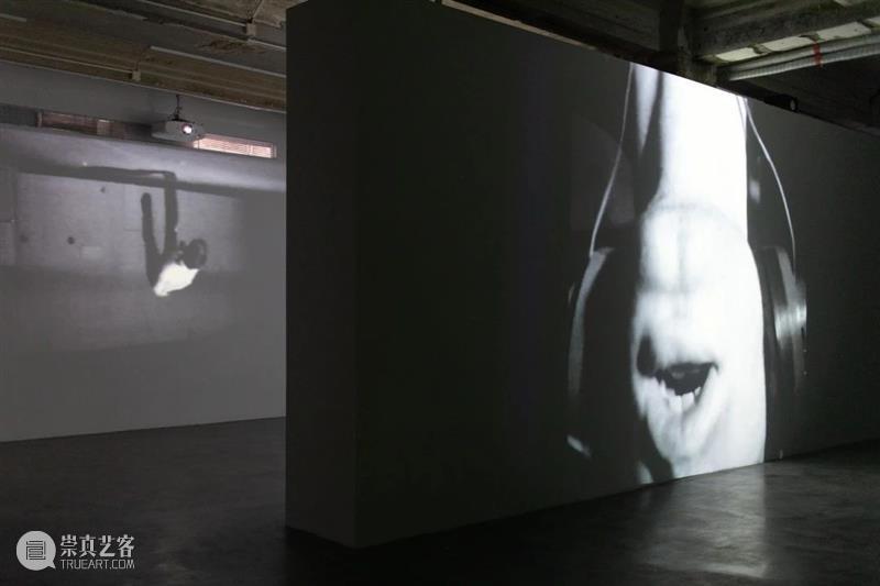 展览倒计时 | 布鲁斯·瑙曼:影像实验 影像 实验 倒计时 布鲁斯 瑙曼 布鲁斯·瑙曼 现场 Edward Ressle 上海 崇真艺客