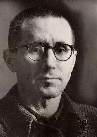 布莱希特|一大堆疑问  布莱希特 疑问 布莱希特 贝尔托·布莱希特 Brecht 德国 戏剧家 诗人 工人 历史 冯至七 崇真艺客