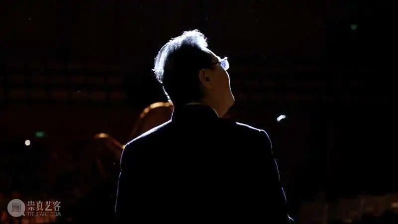今晚19:15 在乐声中聆听献给祖国的深情祝福  古典音乐频道 祖国 乐声 深情 华诞 音乐会 国家大剧院音乐厅 指挥家 谭利华 北京交响乐团 北京音协合唱团 崇真艺客