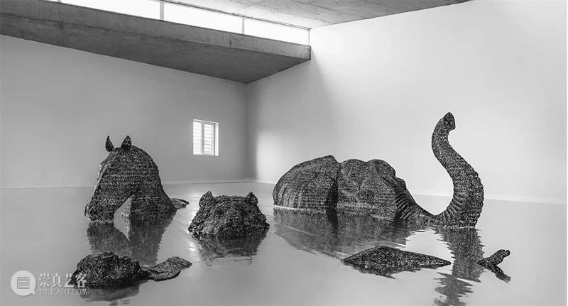 雕塑丨由2万多个钢制汉字组成的复杂雕塑 雕塑 汉字 钢制 上方 中国舞台美术学会 右上 星标 本文 不锈钢 郑路 崇真艺客