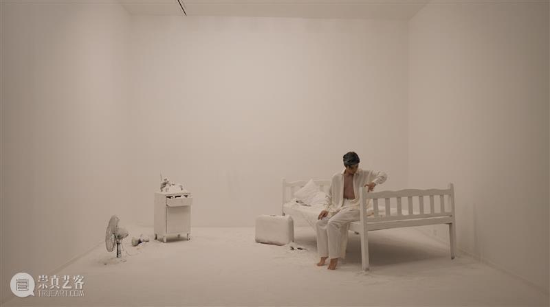 一人多形,多人同影 一人 舞蹈家 李倩 彭捷 今日美术馆 范勃:无形的剧场 舞蹈 命题 作品 意义 崇真艺客