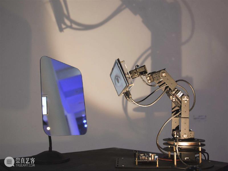 全球17件不可错过的机械臂创意应用作品 机械臂 作品 创意 全球 Dolly机械臂 工业机器人 人类 工具 工作 艺术 崇真艺客