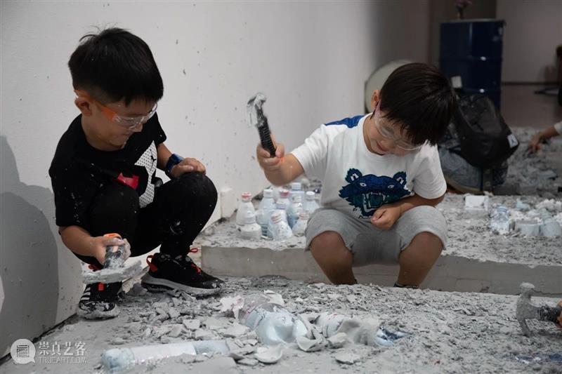 今日美育丨格十三来了 美育 丨格 格十三 今日美术馆 Kids Power 大使 儿童 助力者 趣味 崇真艺客
