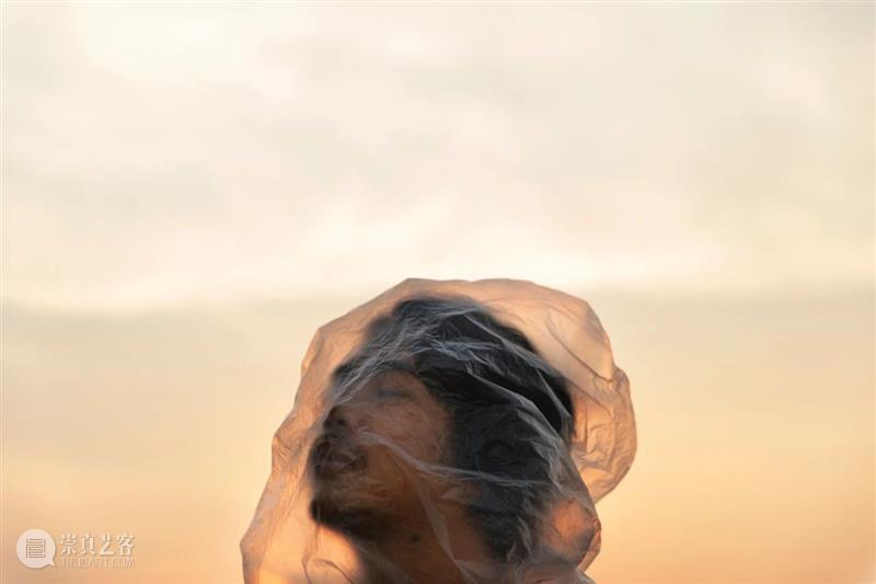 2020 OCT-LOFT公共艺术展|奔跑的塑料袋,飘荡的城市人 LOFT 艺术展 OCT 塑料袋 城市人 垃圾 泰国 摄影师 曼谷大学 数字媒体 崇真艺客