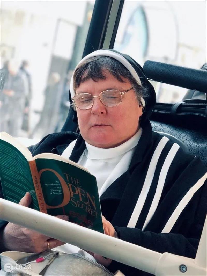 READ IT ANYTIME|阅读照亮世界 世界 READ read anytime Reader feng 阅读者 WORLD简枫 世界的阅读者 作者 崇真艺客