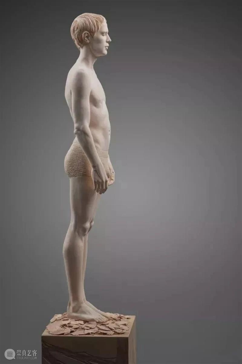 雕塑|这样的木雕作品以最出乎意料的方式将人物和事物融合在一起  中国舞台美术学会 作品 雕塑 木雕 方式 人物 事物 上方 中国舞台美术学会 右上 星标 崇真艺客