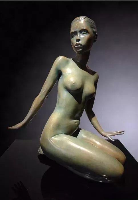 雕塑丨玛丽·波勒·德维尔:因人物雕塑而闻名 德维尔 人物 雕塑 丨玛丽·波勒 上方 中国舞台美术学会 右上 星标 本文 大臻艺术网 崇真艺客