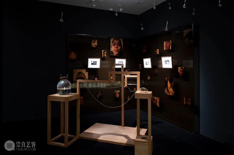 余德耀美术馆新展| 聚焦AI背后的语言逻辑 热点聚焦 余德耀美术馆 索菲亚 艾莉克莎 人工智能 上海余德耀美术馆 崇真艺客