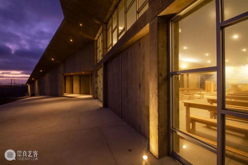 倾斜平面,智利海角天主教堂 / Domenico Albasini Santander - MJA Arquitectura 智利 平面 海角 天主教堂 Tomás Villegas 天主教教堂 科金博 地区 阿塔卡马沙漠 崇真艺客
