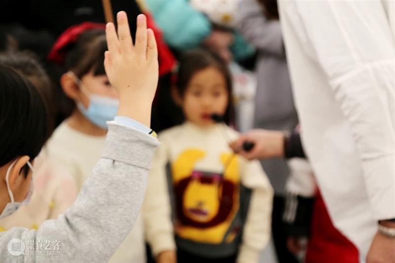 公共教育|西安市灞桥区爱上幼儿园参观王西京2020艺术展 王西京 艺术展 西安市灞桥区爱上幼儿园 先生 中外 现实主义 人物画 中国 画坛 时代 崇真艺客