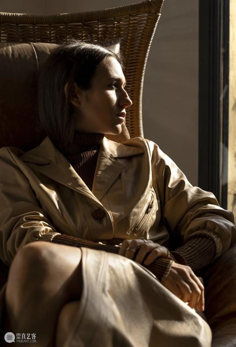 芬迪集团第四代继承人,时尚界一个不可不知道的名字 博文精选 蘇富比 继承人 名字 芬迪集团 时尚界 芬迪 Fendi 时尚集团 国际 珠宝界 米兰 崇真艺客