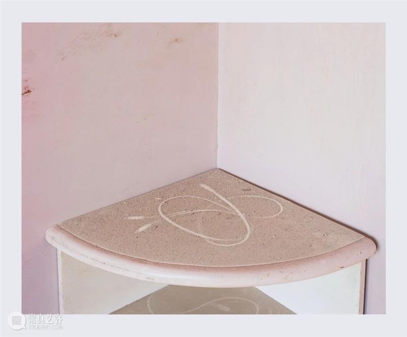 画廊|灰尘和物影,消失成为了存在的证据 灰尘 画廊 物影 证据 导言 展厅 兜里 艺术家 李俊 生活 崇真艺客