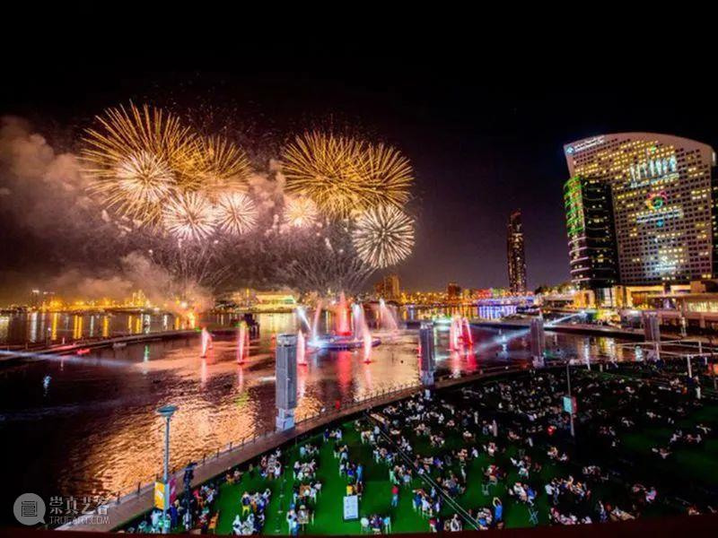 分享丨第49届阿联酋国庆庆典——巨型旋转立方体装置上的视觉大秀 视频资讯 中国舞台美术学会 庆典 阿联酋 装置 视觉 旋转立方体 大秀 阿拉伯联合酋长国 以下 阿布扎比 朱拜勒 崇真艺客