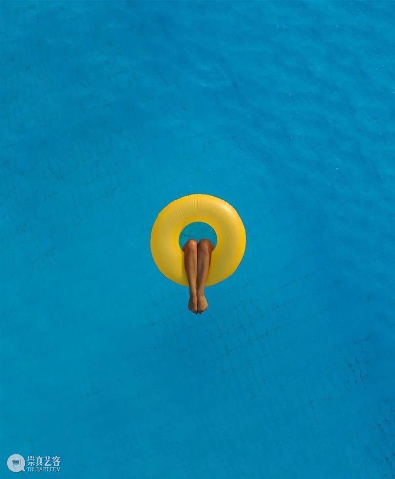 创意丨关于水的摄影作品,令人向往如此纯净的自然环境 创意 作品 自然环境 上方 中国舞台美术学会 右上 星标 本文 美术志 微信 崇真艺客