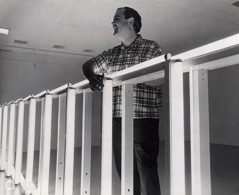 卓纳纽约 | 极简主义群展《弗莱文、贾德、麦克拉肯、桑德贝克》 卓纳 弗莱文 贾德 麦克拉肯 纽约 桑德贝克 极简主义群展 画廊丹 Flavin 无题 崇真艺客