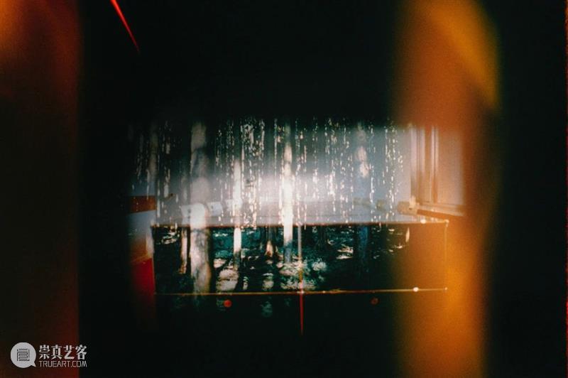 光社摄影图书馆 |   一盏引向另一盏的灯  光社摄影图书馆 桃井淳史 Momoi 日本 大阪 关西学院大学 社会学 伦敦印刷学院 伦敦传播学院 主题 崇真艺客