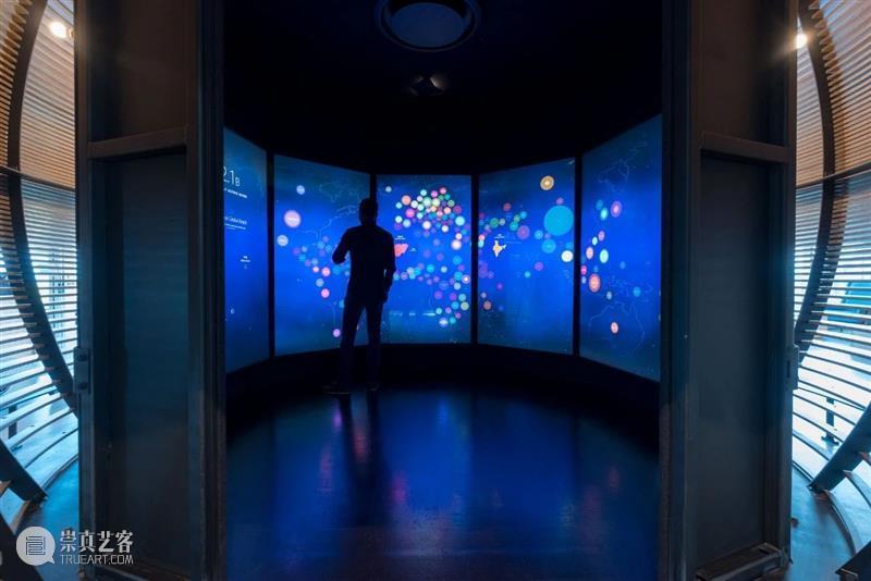 可视化灯光装置、人体感应互动墙...Facebook的交互式体验全球合作伙伴中心 Facebook 灯光 装置 人体 全球合作伙伴中心 远见 公司 世界上 地位 Facebook希望设计公司 崇真艺客