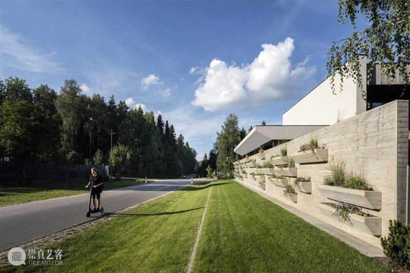 立陶宛十字路口之宅 / arches arches 立陶宛 Saudargait 时候 道路 地方 交汇处 方向 神话 传说 崇真艺客