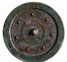 古诗中的汉代七子镜 七子镜 古诗 汉代 铜镜 造型 技艺 人们 艺术 珍宝 气势 崇真艺客