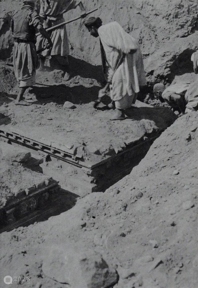 阿富汗的记忆:佛陀遗光  南山供秀 阿富汗 记忆 佛陀 灰泥 陶土 女神 曲线 雕像 时代 枪林弹雨 崇真艺客