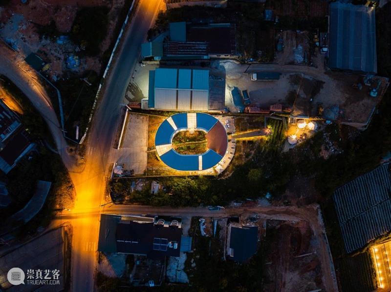 椭圆内院,越南LOOP精品酒店咖啡厅 / G+ Architects 越南 椭圆 内院 LOOP精品酒店咖啡厅 Tran 项目 占地面积 场地 长凳状 业主 崇真艺客