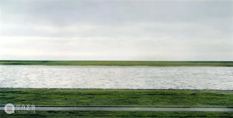 SCôP Conversation | 古尔斯基作品赏析:肉眼无法捕捉的当代图景 古尔斯基 作品 肉眼 图景 Cent Gursky 99美分 照片 洛杉矶 商店 崇真艺客