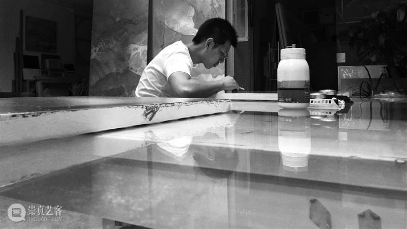 黄喆《光入变》 林叶:从荒谬到幸福---通过内化自身而颠转自身 黄喆 林叶 光入变 大地 星空 个展 印象 世界 画面 奥地利 崇真艺客