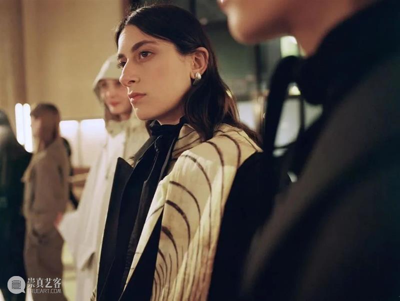 【IFA-时尚资讯】Lemaire|做日常穿的衣服 Lemaire 衣服 IFA 资讯 克里斯托弗·勒梅尔 法国 贝桑松 时装界 职业生涯 伊夫圣罗兰 崇真艺客