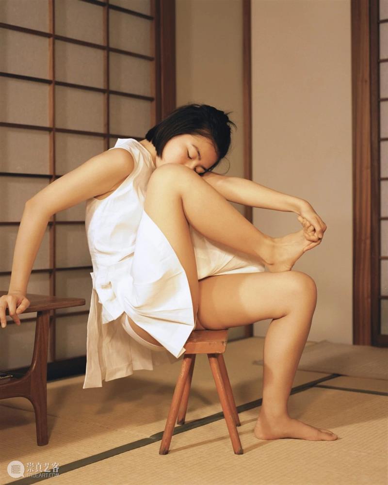 我希望重新灌输一种纯真的理念来观察我们的身体 身体 理念 RIE 女性 中心 性别 Lena 作品 主题 于伦敦 崇真艺客