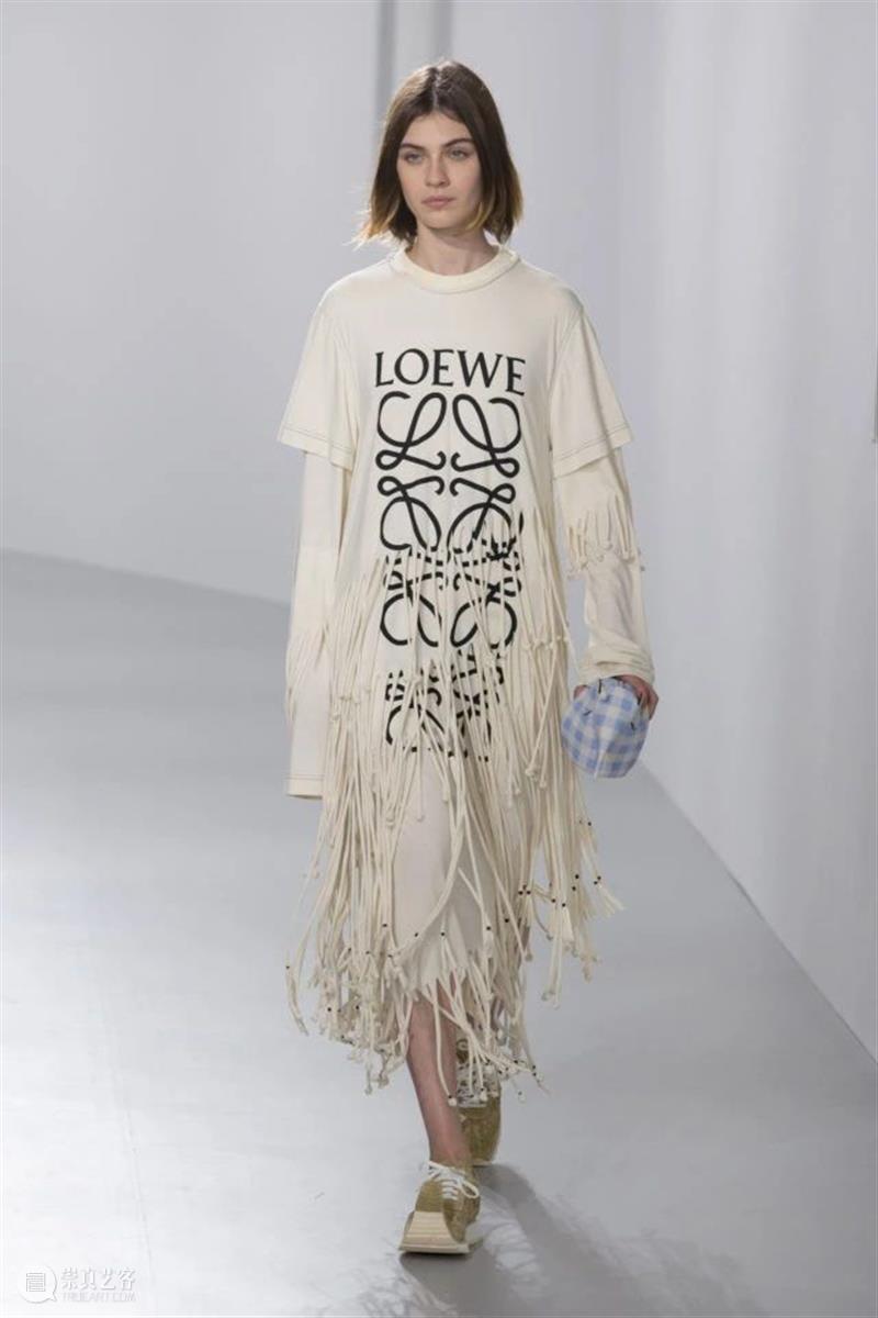 【IFA-流行趋势】性别模糊让时装设计拥有了更多可能 趋势 性别 可能 时装 IFA 女扮男装 形式 Chanel 阔腿裤 女人们 崇真艺客