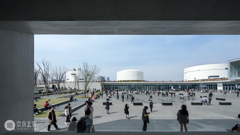 高古轩艺术家在上海油罐艺术中心:西斯特·盖茨和托马斯·豪斯雅戈 高古轩 艺术家 上海油罐艺术中心 西斯特·盖茨 托马斯 豪斯 雅戈 个展 霓虹 盖茨 崇真艺客