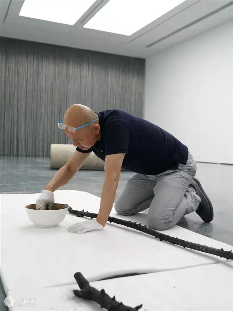 刘建华  把陶瓷玩出陌生感 刘建华 陶瓷 陌生感 昆明 工作室 上海 如今 大学 在此之前 江西 崇真艺客