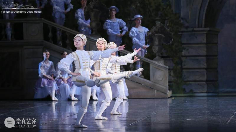 """知识帖丨Croisé:""""交叉""""的芭蕾之美 芭蕾 知识 帖丨Croisé 艺术 舞姿 规范 要求 肢体 动作 身体 崇真艺客"""