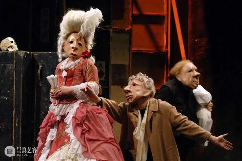 剧看世界|那群带着面具不说话的人 面具 Vogel 迈克尔 沃格尔 德国 剧场 导演 柏林 德国埃森福克旺艺术大学 德语 崇真艺客